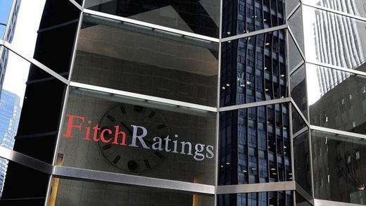 La deuda española mantiene su nota en la agencia Fitch, que alerta de la falta de gobierno y la crisis catalana