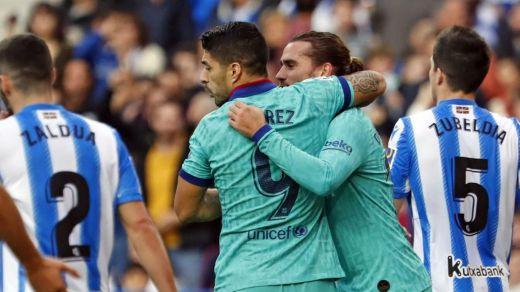 Un posible penalti local en el tramo final que ni miró el VAR marca el 2-2 entre Real Sociedad y Barça