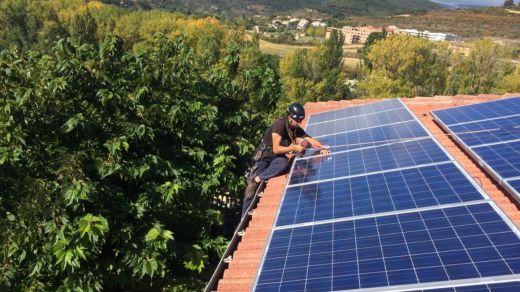Iberdrola compensa a 200 clientes sus excedentes de autoconsumo solar en diciembre