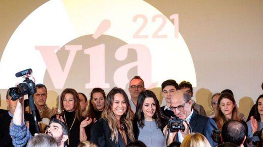 Arrimadas lanza la plataforma 'Vía 221' para seducir al PSOE a la alianza