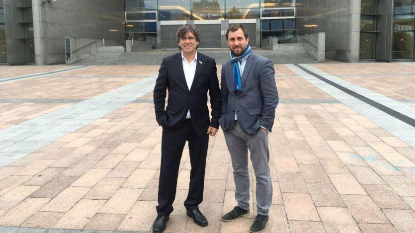 Puigdemont y Comin consiguen sus acreditaciones en el Europarlamento y cantan 'victoria'