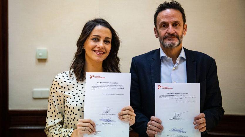 Arrimadas presenta una ley para evitar más casos como el de Junqueras y Puigdemont