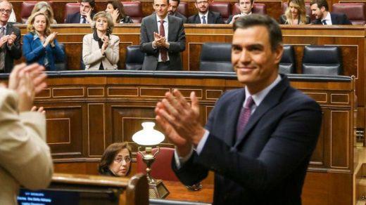 Sánchez promete diálogo a Cataluña, respetar la Constitución y derogar la reforma laboral