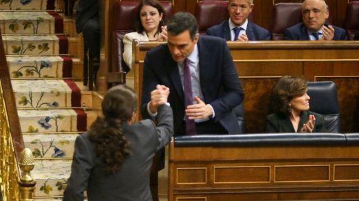 Pablo Iglesias escenifica su reconciliación total con Sánchez: