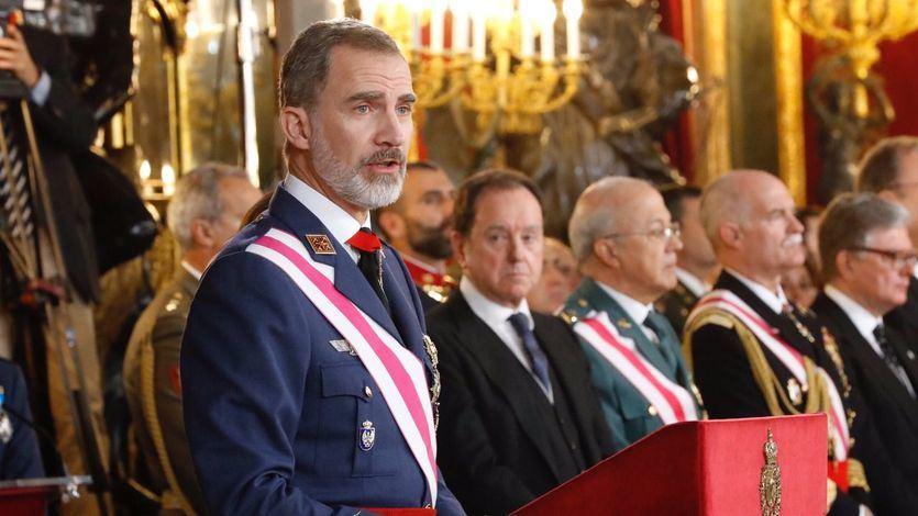 El Rey destaca el compromiso de las Fuerzas Armadas y la Guardia Civil 'con España y la Constitución'