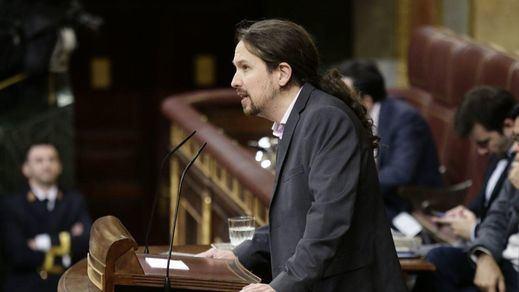 El afectuoso saludo de Iglesias y Errejón y otras anécdotas del debate de investidura