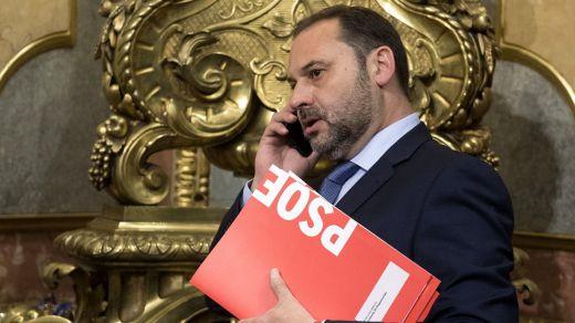 Ábalos niega que el número de ministerios dispare el gasto: