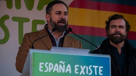 Pinchazo anti-Sánchez: miles de 'patriotas' se concentran en el centro de las ciudades bajo el lema 'España Existe'