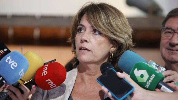 Las asociaciones de fiscales conservadoras y progresistas chocan por Dolores Delgado