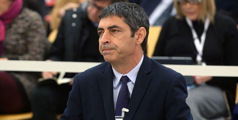 Trapero se desvincula de Puigdemont y justifica la labor de los Mossos en la Consejería de Economía