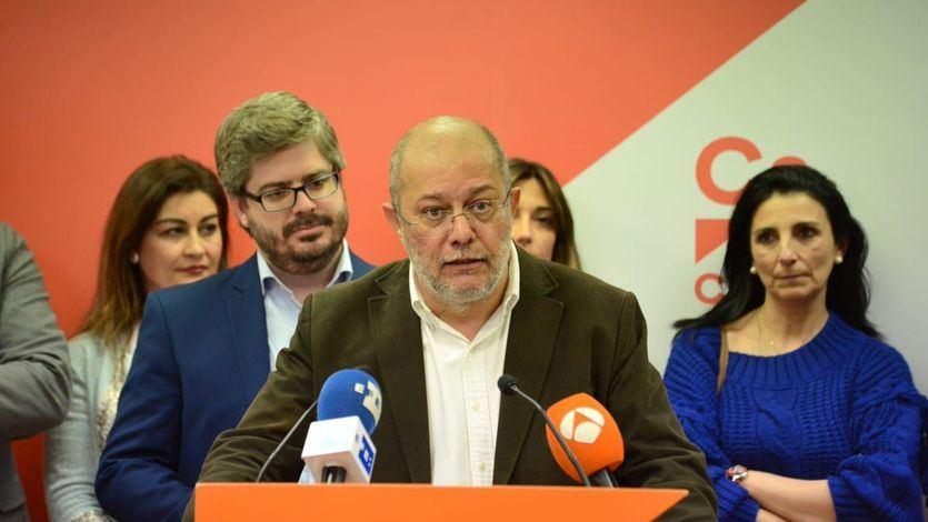 'Guerra abierta' entre la gestora de Ciudadanos y el crítico Francisco Igea