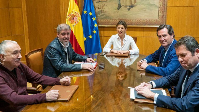Reunión Gobierno, sindicatos y patronal