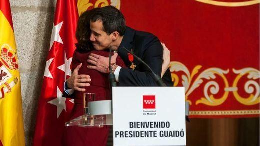 La derecha abraza a Guaidó y abronca a Sánchez por no recibirlo