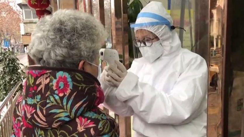 El Gobierno transmite calma ante la crisis del coronavirus mientras China reconoce ya 80 muertes