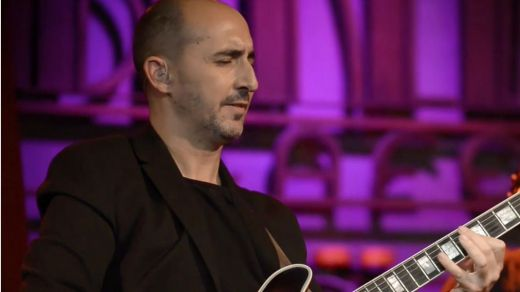 El polifacético Tuti Fernández nos presenta el mejor jazz flamenco 'Deverdá'... 'Deverdá', 'Deverdá' de la buena (vídeo clip)