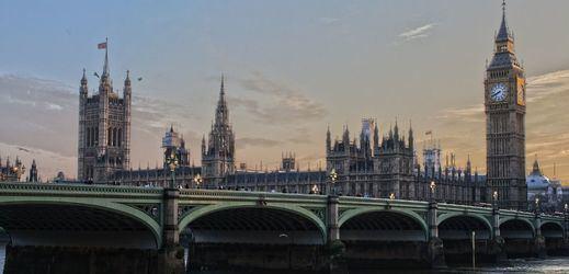 Atentado en Londres: la Policía abate a un terrorista que apuñaló a varias personas