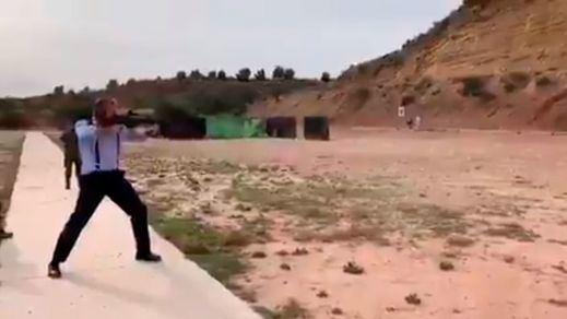Una asociación de militares denuncia que Ortega Smith usara armas y munición real sin licencia