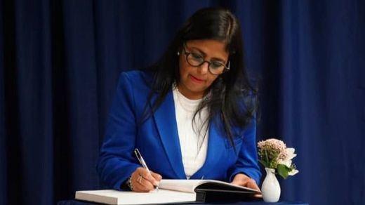 Moncloa desmiente la información de 'ABC' sobre que Delcy Rodríguez y Pedro Sánchez hablaron por teléfono