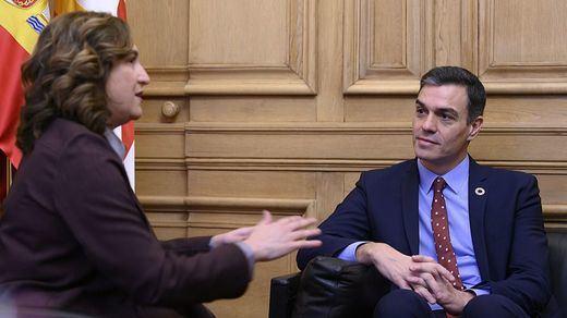 Sánchez y Ada Colau firman un acuerdo de colaboración Gobierno-Ayuntamiento de Barcelona