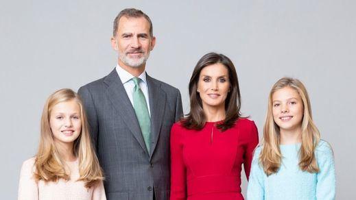 La Familia Real estrena sus nuevos retratos oficiales realizados por Estela de Castro