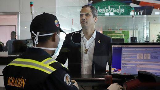 Escándalo mundial por el regreso a Venezuela de Guaidó: intento de agresión, protestas, incidentes...