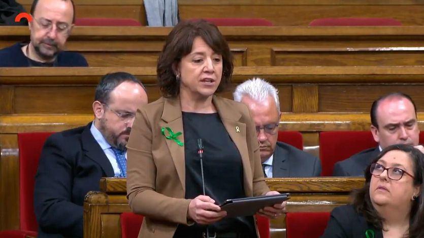 La alcaldesa de Vic, Anna Erra, en el Parlament