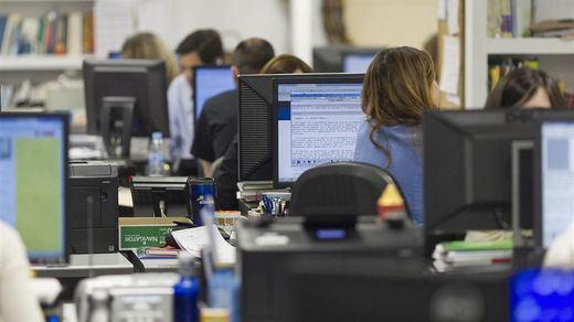 ¿Cuántos funcionarios tiene España? ¿Y empleados públicos en total?
