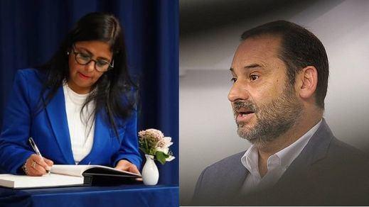 Ábalos desmiente que Delcy Rodríguez estuviera transportando en su avión oro de Venezuela a Turquía