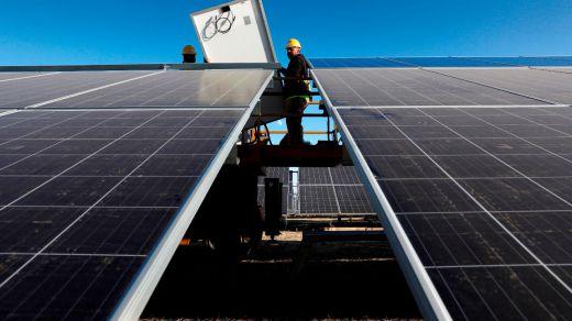 Iberdrola inicia la construcción de su primera planta fotovoltaica en Aragón