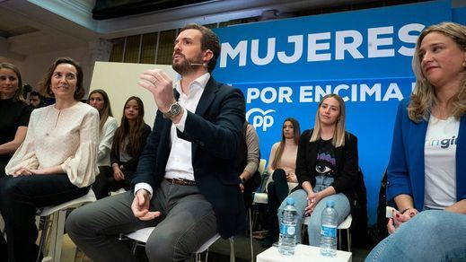 Casado celebra el 8-M con las mujeres del partido y apoya públicamente a Álvarez de Toledo