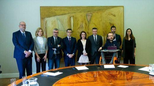 PSOE y Podemos se reunieron de urgencia para zanjar sus discrepancias