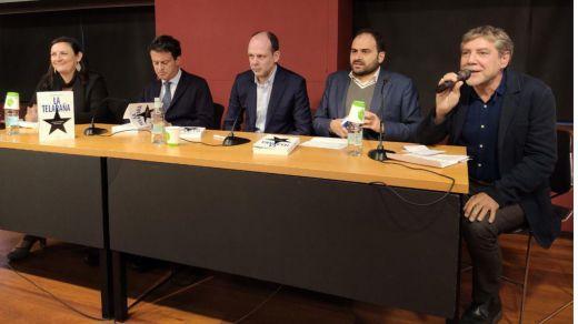 """Se presentó en el C.C.C.B. el libro """"La telaraña"""" del periodista Juan Pablo Cardenal"""
