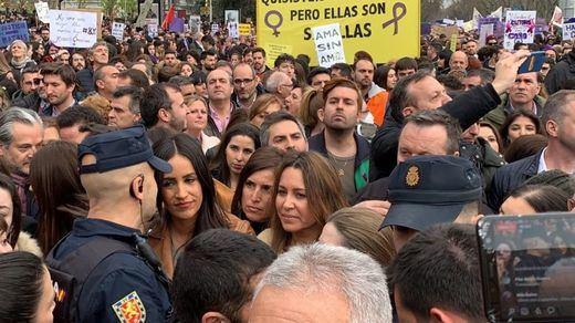 Villacís y Roldán, increpadas en la manifestación del 8-M en Madrid