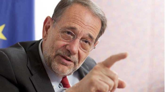 Todos los políticos con coronavirus: Javier Solana, Beatriz Jiménez, Darias, Abascal, Olona...
