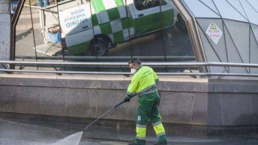 Madrid extrema las medidas de limpieza y desinfección
