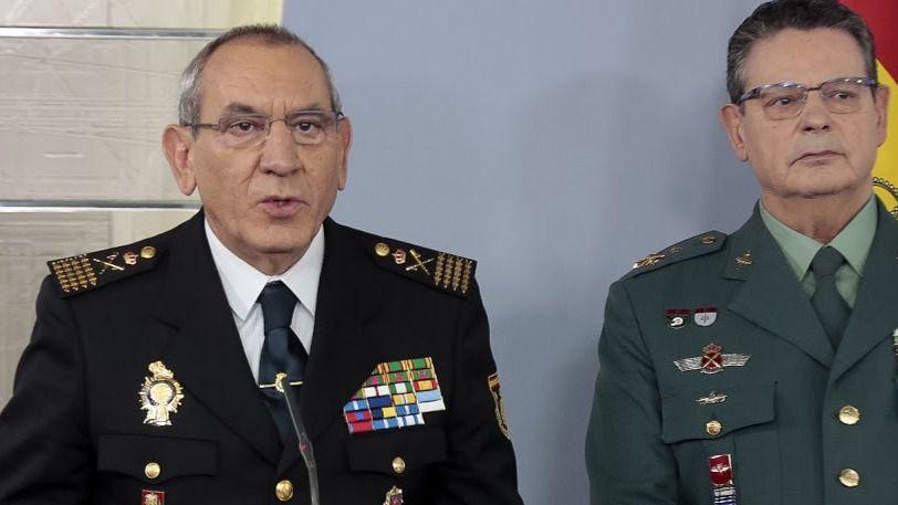A la izquierda, el director adjunto operativo (DAO) de la Policía Nacional, José Ángel González
