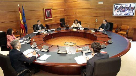 El Gobierno desmiente dos bulos sobre la compra de material sanitario y los funcionarios