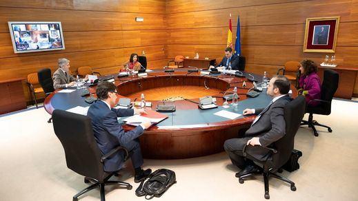 Moncloa sale al paso de las críticas de la oposición y los presidentes autonómicos