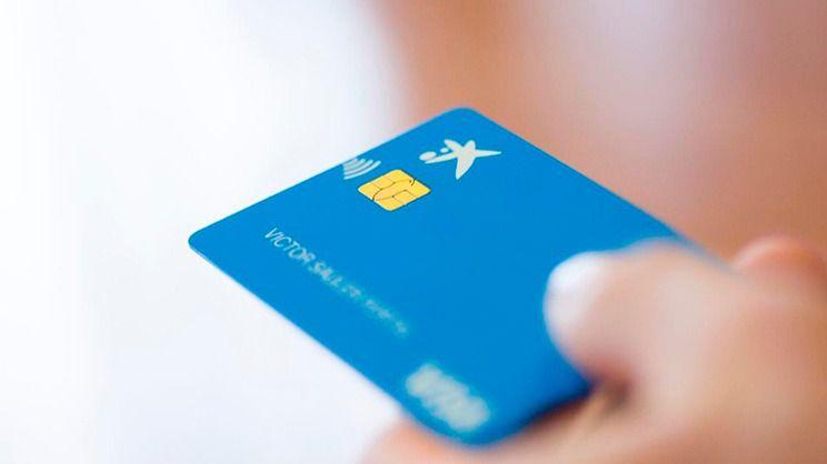 El Ayuntamiento de Madrid y CaixaBank entregarán tarjetas prepagadas para alimentación a más de 2.000 familias vulnerables