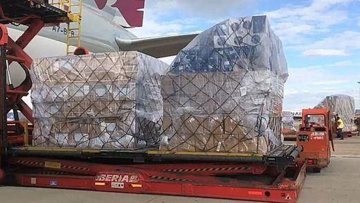 Aterriza en Barajas uno de los aviones con material sanitario de China para la Comunidad de Madrid