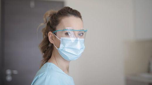 Sanidad ha repartido 36 millones de unidades de material sanitario entre las comunidades, la mitad son mascarillas