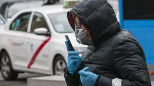 La contradicción de las mascarillas: barrera eficaz contra los contagios o material sanitario innecesario