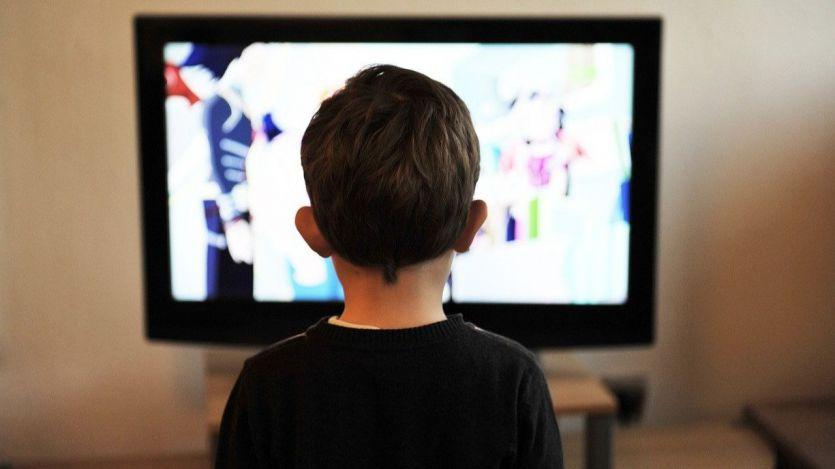 Abuso de pantallas en niños por el confinamiento: hiperactividad y mal comportamiento
