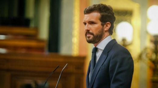Casado duda de que Sánchez pueda aspirar a reescribir la Transición por no ser