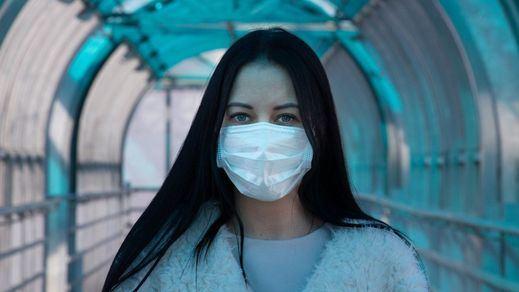 Sanidad repartirá mascarillas no sanitarias en estaciones de transportes
