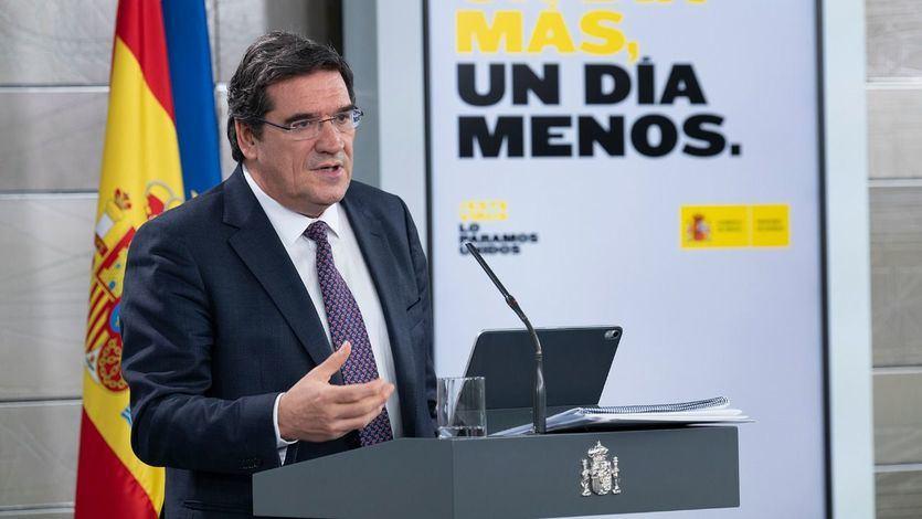 El ministro Escrivá se enteró por la prensa del acuerdo para aprobar de inmediato el Ingreso Mínimo Vital
