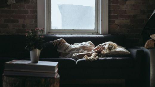 El confinamiento altera el sueño, provocando insomnio, cansancio, malestar emocional...