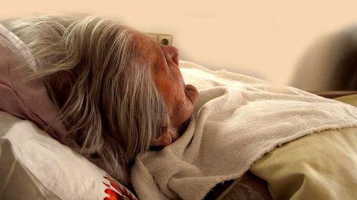 La debacle española en las residencias de ancianos: han muerto cerca de 16.000 mayores en ellas