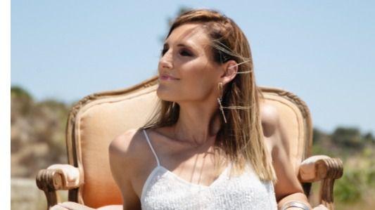 'El viaje', nueva canción de Conchita dedicada a todos los que vienen a este mundo luchando (videoclip)