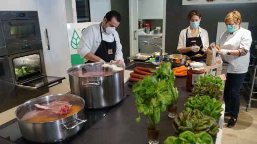 Miele ofrece sus cocinas del Experience Center de Alcobendas para ayudar a familias vulnerables durante la crisis del Coronavirus.
